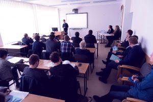 Elektros ir elektronikos fakultetas siūlo 6 magistrantūros studijų programas. Ar nusprendei kurią pasirinkti?