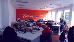 Rugsėjo 14 d. moksleiviai būrėsi pasižiūrėti, kaip atrodo inžinerijos mokslai KTU EEF