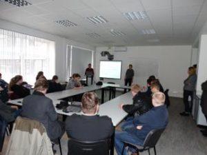 Studentai iš Suomijos supažindino kolegas EEF su savo šalies elektros energetikos sistema