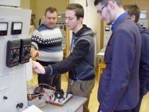 KTU Elektros ir elektronikos fakultetas suteikia galimybę moksleiviams susipažinti su būsima profesija